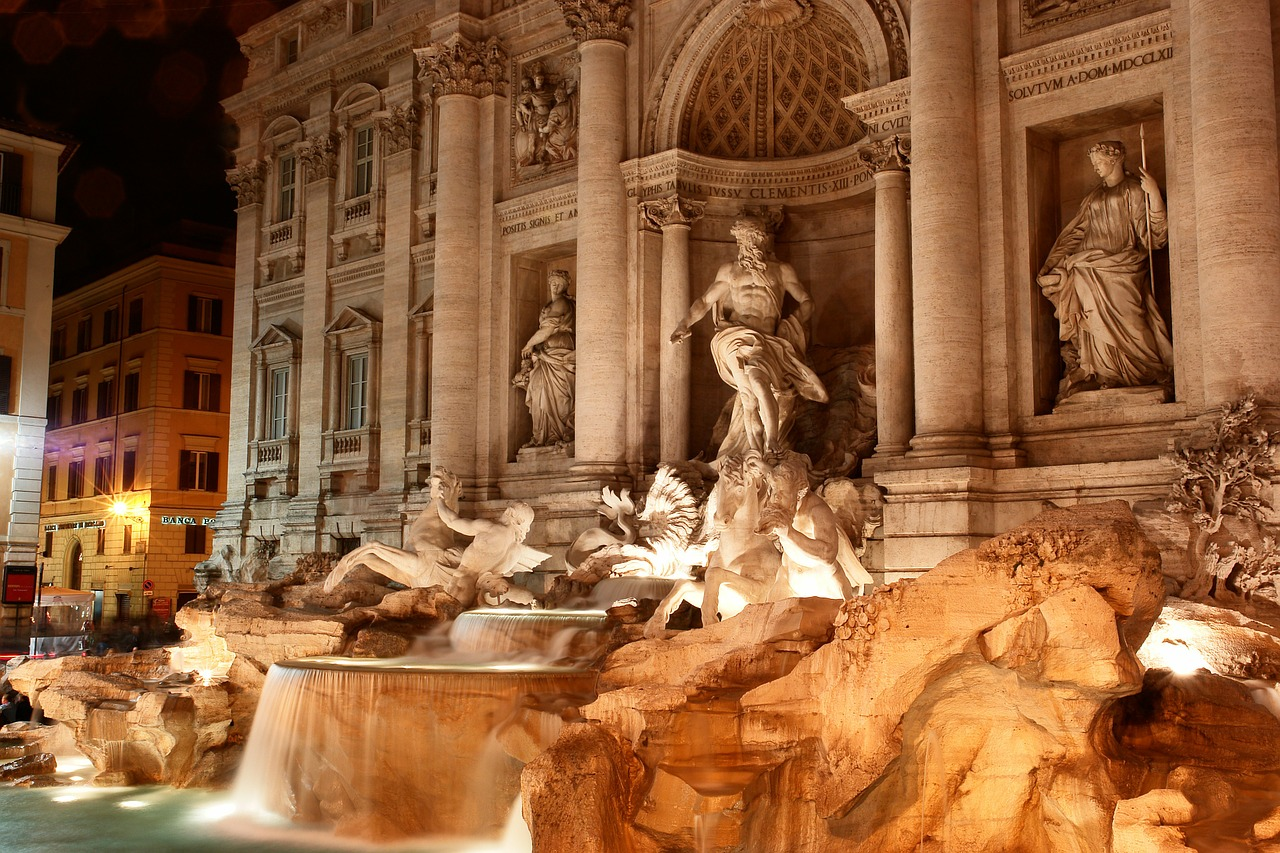 Book hotels nearby the Trevi Fountain in Rome